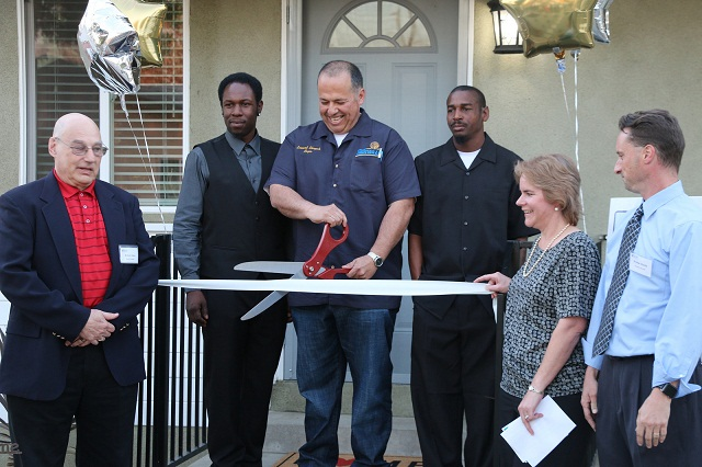Flatbush_RibbonCutting2
